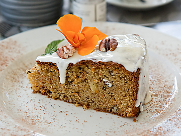 vegan carrot cake picture